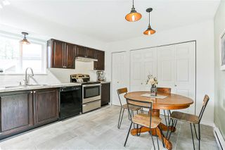 """Photo 3: 6187 E GREENSIDE Drive in Surrey: Cloverdale BC Townhouse for sale in """"Greenside Estates"""" (Cloverdale)  : MLS®# R2237894"""