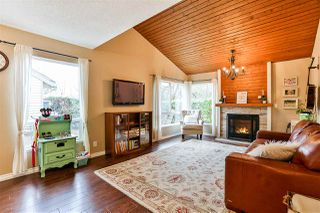 """Photo 6: 6187 E GREENSIDE Drive in Surrey: Cloverdale BC Townhouse for sale in """"Greenside Estates"""" (Cloverdale)  : MLS®# R2237894"""