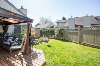 "Photo 13: 6109 GREENSIDE Drive in Surrey: Cloverdale BC Townhouse for sale in ""Greenside Estates"" (Cloverdale)  : MLS®# R2264200"
