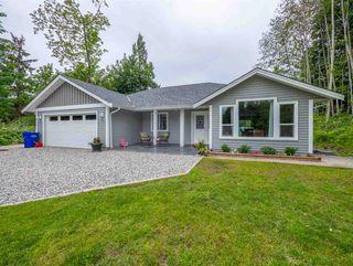Main Photo: 5911 REEF Road in Sechelt: Sechelt District House for sale (Sunshine Coast)  : MLS®# R2284707