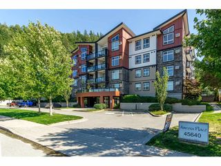 "Photo 1: 405 45640 ALMA Avenue in Sardis: Vedder S Watson-Promontory Condo for sale in ""Ameera Place"" : MLS®# R2285583"