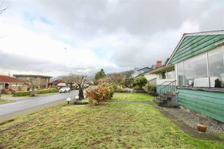 Photo 11: 7010 BELCARRA Drive in Burnaby: Westridge BN House for sale (Burnaby North)  : MLS®# R2329297