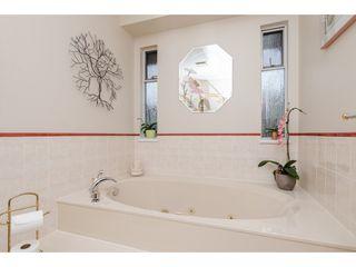 "Photo 14: 16285 78 Avenue in Surrey: Fleetwood Tynehead House for sale in ""Hazelwood Grove"" : MLS®# R2335316"