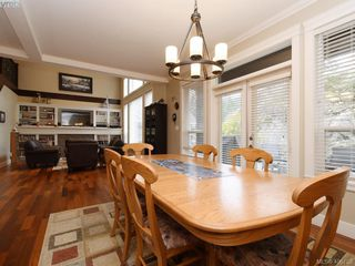 Photo 5: 2182 Stone Gate in VICTORIA: La Bear Mountain House for sale (Langford)  : MLS®# 808396