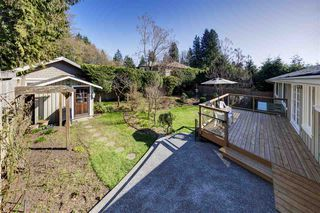 "Photo 3: 1140 SINCLAIR Street in West Vancouver: Ambleside House for sale in ""Ambleside"" : MLS®# R2354375"
