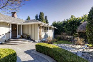 "Photo 7: 1140 SINCLAIR Street in West Vancouver: Ambleside House for sale in ""Ambleside"" : MLS®# R2354375"