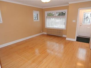 Photo 2: 563 Windsor Ave in Winnipeg: East Elmwood House for sale ()  : MLS®# 1728238