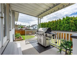 "Photo 18: 6495 180 Street in Surrey: Cloverdale BC House for sale in ""Orchard Ridge"" (Cloverdale)  : MLS®# R2396953"