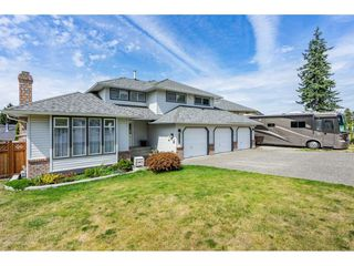"Photo 2: 6495 180 Street in Surrey: Cloverdale BC House for sale in ""Orchard Ridge"" (Cloverdale)  : MLS®# R2396953"