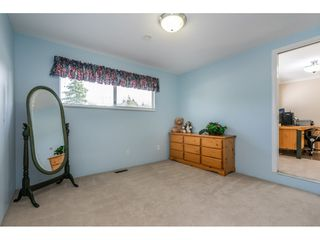 "Photo 15: 6495 180 Street in Surrey: Cloverdale BC House for sale in ""Orchard Ridge"" (Cloverdale)  : MLS®# R2396953"