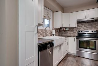 Photo 5: 16 4403 RIVERBEND Road in Edmonton: Zone 14 Townhouse for sale : MLS®# E4170834