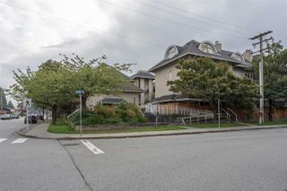 Photo 2: 302 1570 PRAIRIE Avenue in Port Coquitlam: Glenwood PQ Condo for sale : MLS®# R2407467