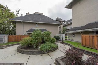 Photo 3: 302 1570 PRAIRIE Avenue in Port Coquitlam: Glenwood PQ Condo for sale : MLS®# R2407467