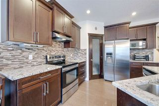 Photo 8: 2540 BELL Court in Edmonton: Zone 55 House for sale : MLS®# E4183736