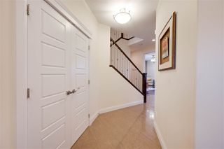 Photo 2: 2540 BELL Court in Edmonton: Zone 55 House for sale : MLS®# E4183736