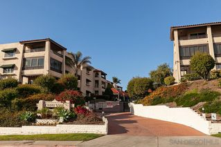 Photo 2: BAY PARK Condo for sale : 2 bedrooms : 2530 Clairemont Dr #203 in San Diego