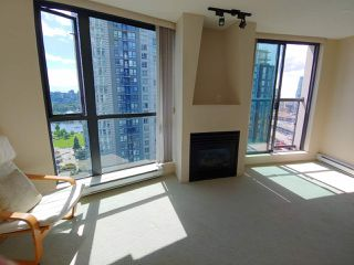 "Photo 7: 1903 501 PACIFIC Street in Vancouver: Downtown VW Condo for sale in ""THE 501"" (Vancouver West)  : MLS®# R2461862"