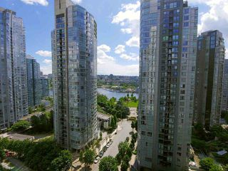 "Photo 12: 1903 501 PACIFIC Street in Vancouver: Downtown VW Condo for sale in ""THE 501"" (Vancouver West)  : MLS®# R2461862"