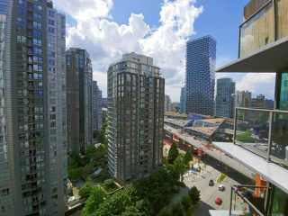 "Photo 3: 1903 501 PACIFIC Street in Vancouver: Downtown VW Condo for sale in ""THE 501"" (Vancouver West)  : MLS®# R2461862"