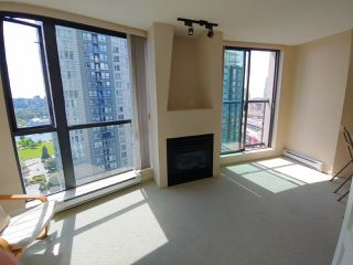"Photo 6: 1903 501 PACIFIC Street in Vancouver: Downtown VW Condo for sale in ""THE 501"" (Vancouver West)  : MLS®# R2461862"