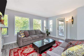 """Photo 3: 423 6707 SOUTHPOINT Drive in Burnaby: South Slope Condo for sale in """"MISSION WOODS"""" (Burnaby South)  : MLS®# R2470852"""