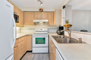 """Photo 9: 423 6707 SOUTHPOINT Drive in Burnaby: South Slope Condo for sale in """"MISSION WOODS"""" (Burnaby South)  : MLS®# R2470852"""