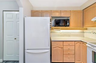 """Photo 10: 423 6707 SOUTHPOINT Drive in Burnaby: South Slope Condo for sale in """"MISSION WOODS"""" (Burnaby South)  : MLS®# R2470852"""