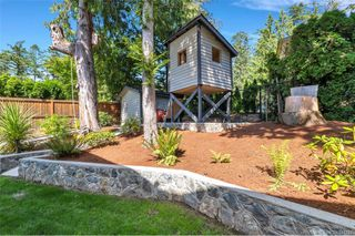 Photo 10: 1012 Elstree Close in Central Saanich: CS Brentwood Bay House for sale : MLS®# 844720
