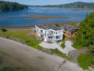 Photo 1: 1902/1904 Billings Rd in : Sk Billings Spit House for sale (Sooke)  : MLS®# 856929