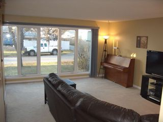 Photo 3: 126 Dorge Drive in Winnipeg: Fort Garry / Whyte Ridge / St Norbert Single Family Detached for sale (South Winnipeg)  : MLS®# 1221017