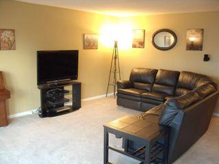 Photo 2: 126 Dorge Drive in Winnipeg: Fort Garry / Whyte Ridge / St Norbert Single Family Detached for sale (South Winnipeg)  : MLS®# 1221017