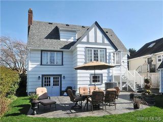 Photo 2: 736 Newport Avenue in VICTORIA: OB South Oak Bay Single Family Detached for sale (Oak Bay)  : MLS®# 334391