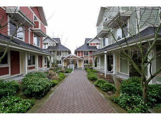 """Photo 3: 20 345 E 33RD Avenue in Vancouver: Main Townhouse for sale in """"WALK TO MAIN"""" (Vancouver East)  : MLS®# V1057045"""
