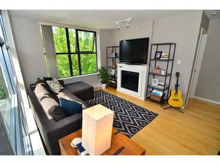 "Photo 3: 206 989 BEATTY Street in Vancouver: Yaletown Condo for sale in ""The Nova"" (Vancouver West)  : MLS®# V1064585"