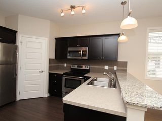 Photo 5: 4105 1001 EIGHTH Street NW: Airdrie Townhouse for sale : MLS®# C3639414