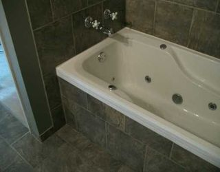 Photo 5: 103 4810 40 Avenue SW in CALGARY: Glamorgan Townhouse for sale (Calgary)  : MLS®# C3230140