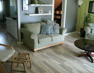 Photo 4: 103 4810 40 Avenue SW in CALGARY: Glamorgan Townhouse for sale (Calgary)  : MLS®# C3230140