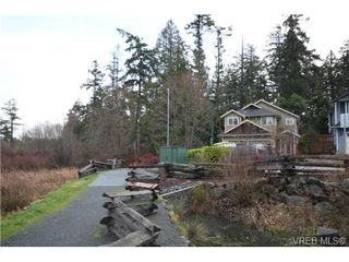 Photo 16: 210 Stoneridge Pl in VICTORIA: VR Hospital Single Family Detached for sale (View Royal)  : MLS®# 718015