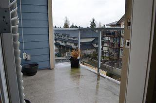 "Photo 4: 407 19936 56 Avenue in Langley: Langley City Condo for sale in ""Bearing Pointe"" : MLS®# R2040067"