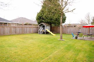 Photo 2: 18848 63A Avenue in Surrey: Cloverdale BC House for sale (Cloverdale)  : MLS®# R2048680