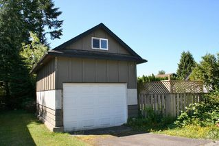 Photo 3: 7590 DUNSMUIR Street in Mission: Mission BC House for sale : MLS®# R2068883