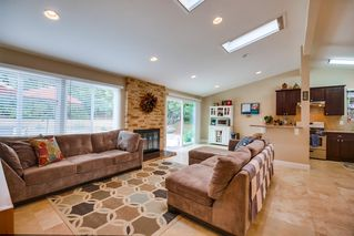Photo 3: SERRA MESA House for sale : 3 bedrooms : 2142 Cardinal Drive in San Diego