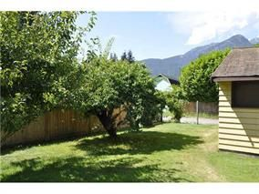 Photo 4: 38841 GAMBIER Avenue in Squamish: Dentville House for sale : MLS®# R2087171