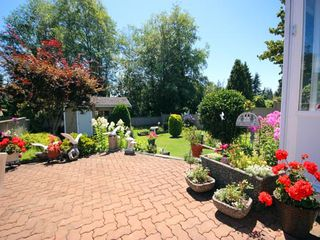 "Photo 19: 14154 16A Avenue in Surrey: Sunnyside Park Surrey House for sale in ""OCEAN PARK / SUNNYSIDE"" (South Surrey White Rock)  : MLS®# R2093548"
