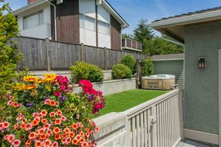 Photo 17: 15709 CLIFF Avenue: White Rock House for sale (South Surrey White Rock)  : MLS®# R2128759