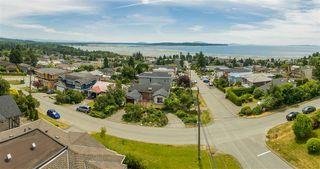Photo 20: 15709 CLIFF Avenue: White Rock House for sale (South Surrey White Rock)  : MLS®# R2128759