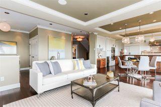 Photo 2: 15709 CLIFF Avenue: White Rock House for sale (South Surrey White Rock)  : MLS®# R2128759