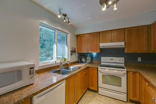 "Photo 9: 9 10000 VALLEY Drive in Squamish: Valleycliffe Townhouse for sale in ""Valley View Place"" : MLS®# R2132656"