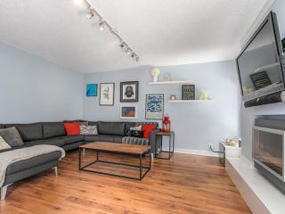 Photo 3: 3364 HENRY Street in Port Moody: Port Moody Centre House for sale : MLS®# R2144951