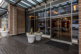 """Photo 2: 2401 608 BELMONT Street in New Westminster: Uptown NW Condo for sale in """"VICEROY """"BY BOSA"""""""" : MLS®# R2159779"""